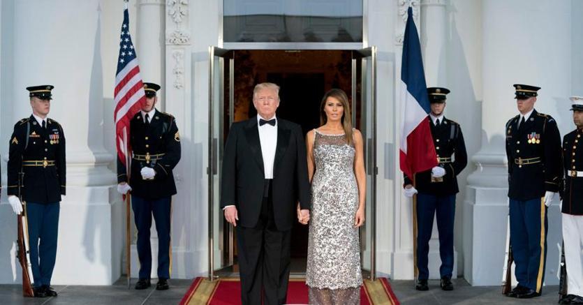 Donald e Melania Trump alla cena di stato con Emmanuel e Brigitte Macron